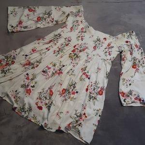 NWT Torrid womens size 3 floral off shoulder dress